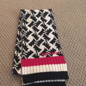 💓 Juicy Couture Winter Wool Scarf 💓